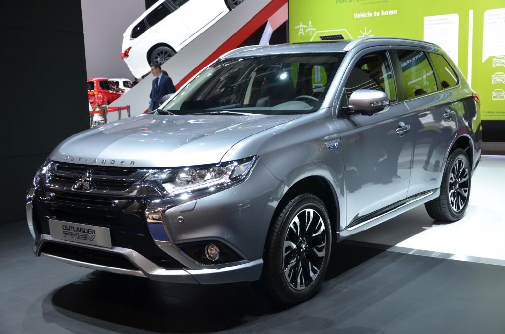Mitsubishi Outlander PHEV kopi