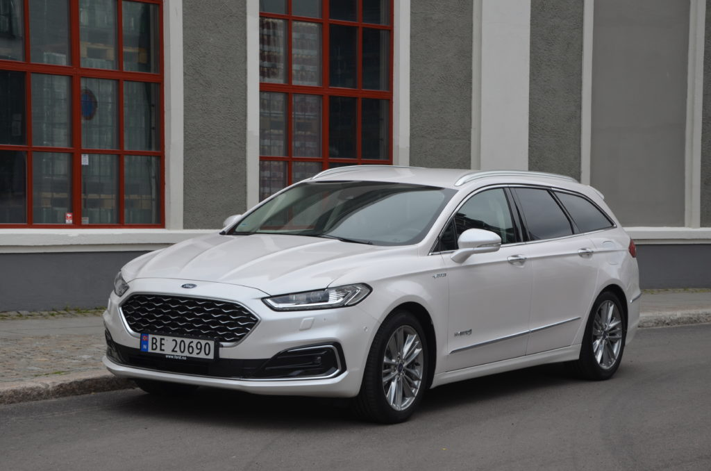 Ford Mondeo Hybrid Vignale 1
