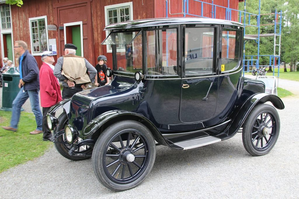 1280px-Ohio_electric_car_at_Gjøvik_Gård_Norway_1