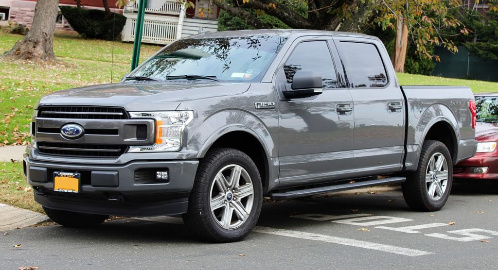 1280px-2018_Ford_F-150_XLT_Crew_Cab,_front_11.10.19